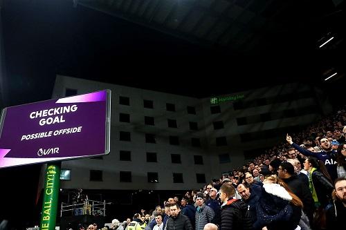 Система видеоповторов в футболе