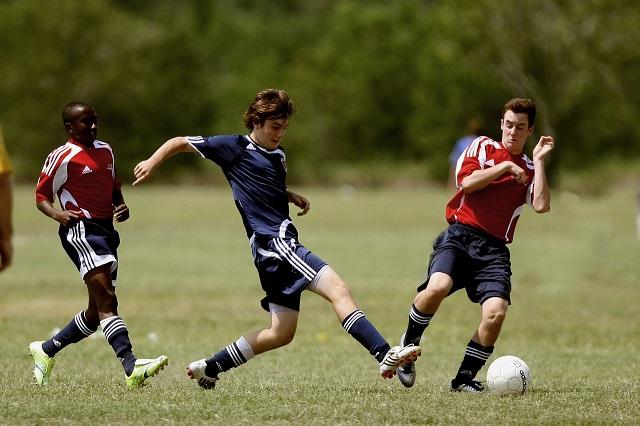 Короткая передача в футболе