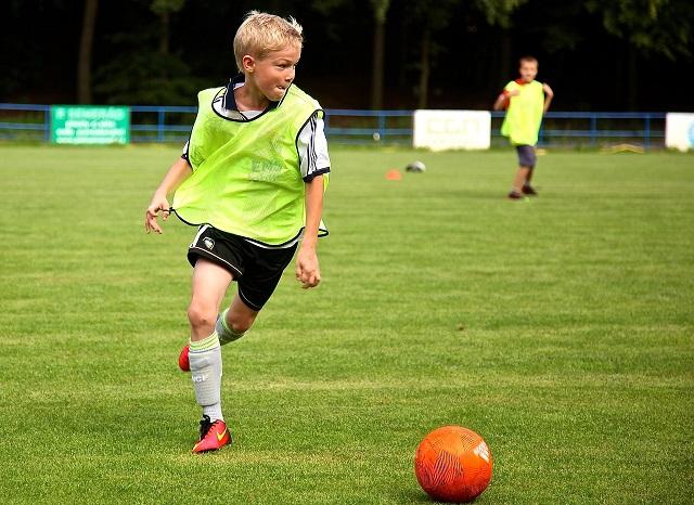 Способы ведения мяча в футболе