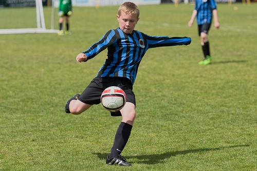 Удар подъемом в футболе
