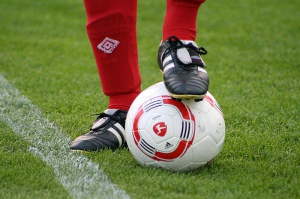 Остановка мяча подошвой в футболе
