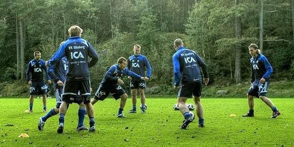 Упражнения для футболистов - квадрат