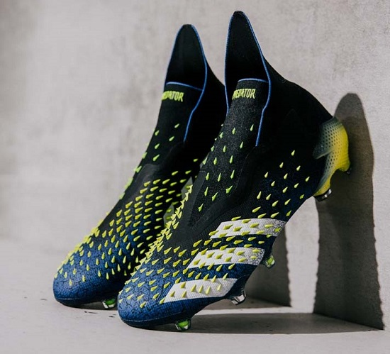 Бутсы Adidas Predator Freak