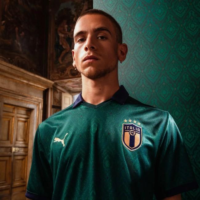 Третья форма сборной Италии на Евро-2020