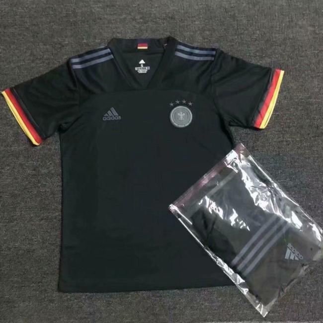 Гостевая форма сборной Германии по футболу на Евро-2020