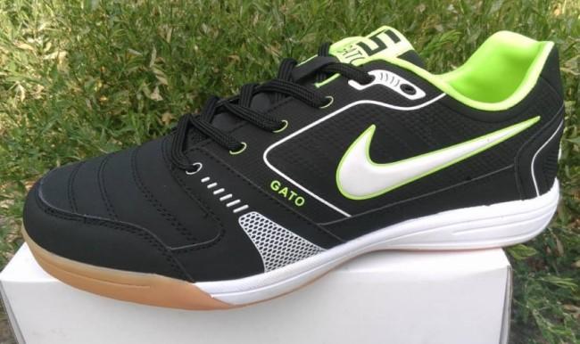 Дешевая подделка футзалок Nike
