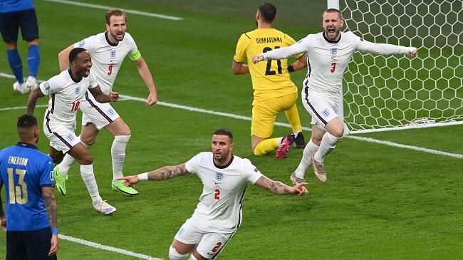 Люк Шоу на 2-й минуте открыл счет в финальном матче Евро-2020, но на 67-й минуте итальянцы отыгрались и перевели игру в дополнительное время. Фото: www.eurosport.fr
