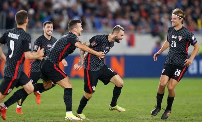 Хорваты празднуют победный гол в ворота Словакии. Фото: Reuters